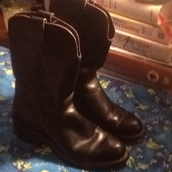 a0ab7036a89 MENS Make Offer 7 D black cowboy boots, EUC